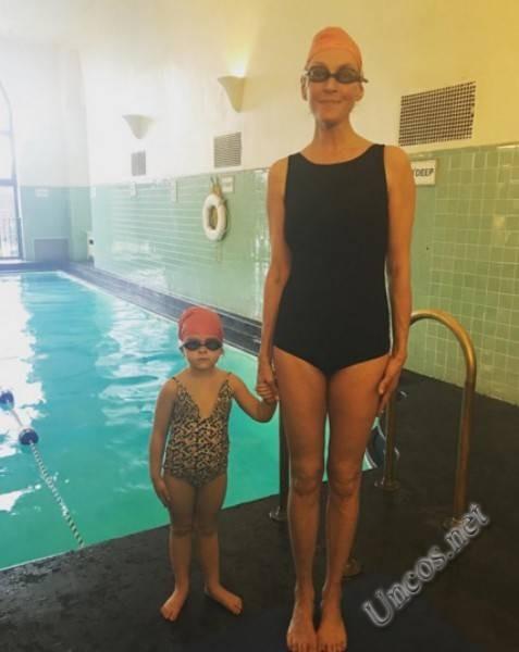 Ума Турман опублікувала кумедний знімок із молодшою дочкою