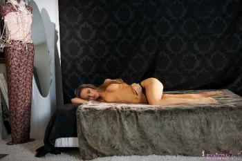 01 - Aleska D - In the Bed (81) 4000px