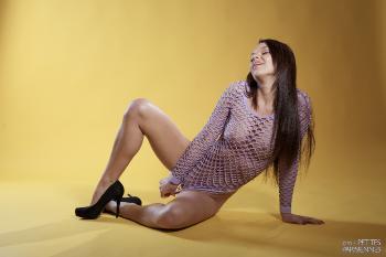 02 - Frida Stark - Yellow (75) 4000px