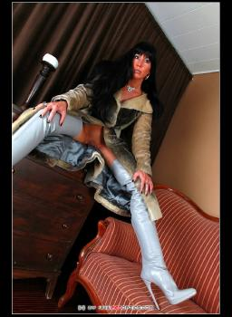 Furs And Boots RedOptics.com