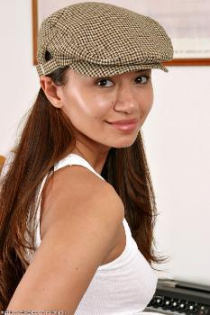 092536 - Bobbi latinas ATKExotics.com