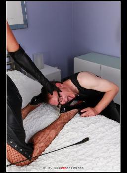 Bound Mistress RedOptics.com