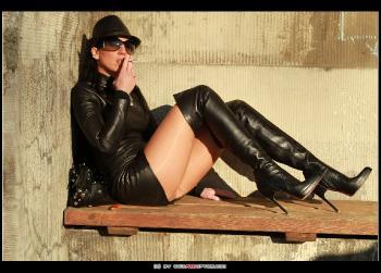 Leder Diva RedOptics.com