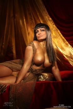 e10-30 Golden Cleopatra AriaGiovanni.com