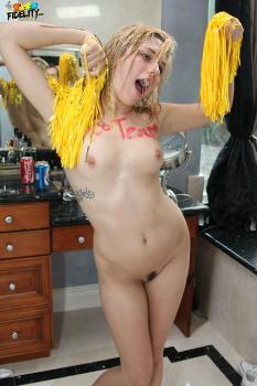 45 Lia Lor - After Practice Pussy