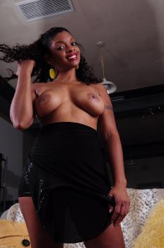 261887 - Dee black women