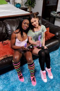 237827 - Ana Foxxx lesbian