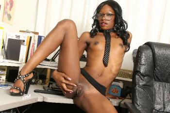 219488 - Taylor Starr black women