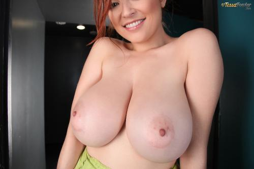 Tessa Fowler - Green Top Pink Bra - Set 2